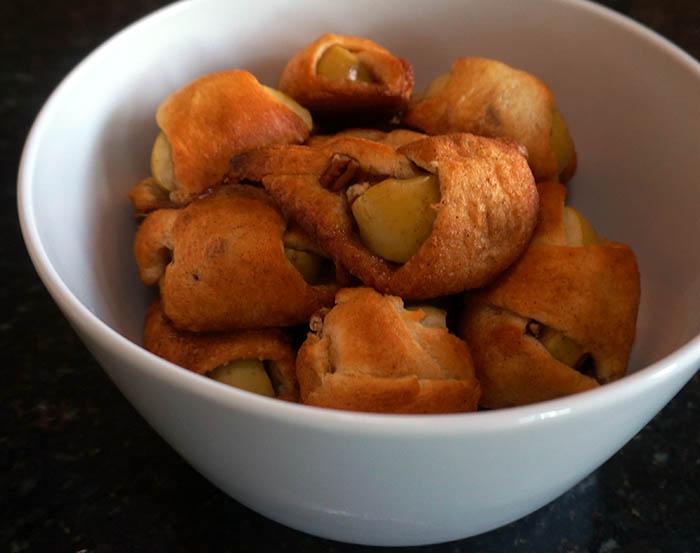 Apple Pie Bites [ Scrumptuous, Fast, and Easy Dessert ]